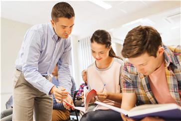 「高考日语知识」高考用日语代替英语好吗?有什么弊端和好处吗? 知识 第3张